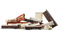 Lot 853-A LOT OF FIVE HORNBY LOCOMOTIVES WITH TRACK