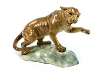 Lot 1232-A BESWICK FIGURE OF A TAWNY PUMA