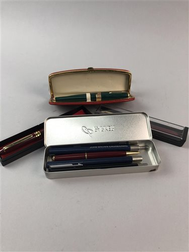 Lot 20-A PARKER PEN AND PROPELLING PENCIL SET WITH FIVE OTHER PARKER PENS AND A FOUNTAIN PEN