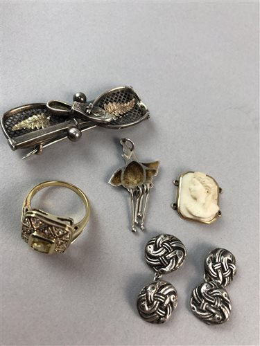 Lot 4-A SILVER COLOURED TENNIS BROOCH, AN ENAMEL PENDANT AND OTHER JEWELLERY