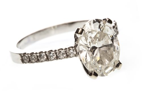 Lot 4 - A GIA CERTIFICATED DIAMOND SOLITAIRE RING