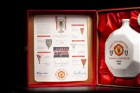 Lot 1974-MANCHESTER UNITED TWENTY-FIFTH ANNIVERSARY OF THE EUROPEAN CUP DECANTER