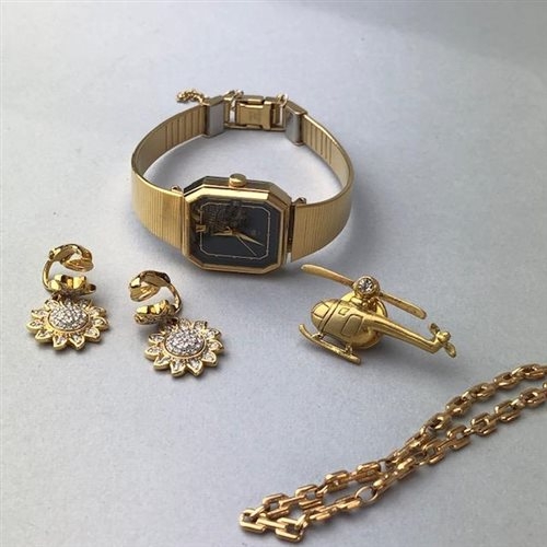 Lot 8-A NINE CARAT GOLD RING, GEM SET RINGS AND OTHER COSTUME JEWELLERY
