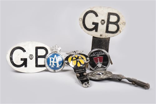 Lot 19-COLLECTION OF VEHICLE BADGES