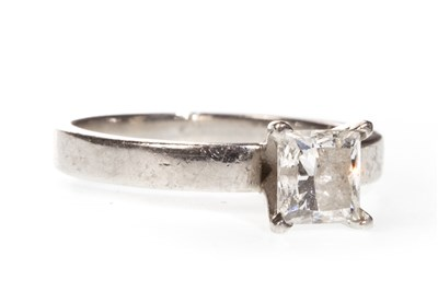 Lot 96-A DIAMOND SOLITAIRE RING