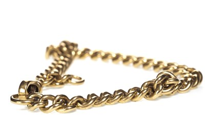 Lot 27-A GOLD CURB LINK BRACELET