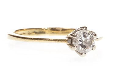 Lot 290-A DIAMOND SOLITAIRE RING