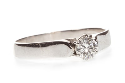 Lot 312-A DIAMOND SOLITAIRE RING