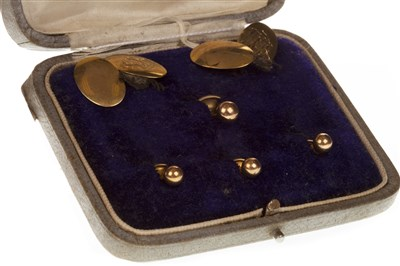Lot 81-A CASED SET OF CUFF LINKS AND STUDS
