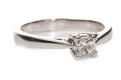 Lot 98-A DIAMOND SOLITAIRE RING