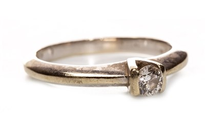 Lot 104-A DIAMOND SOLITAIRE RING