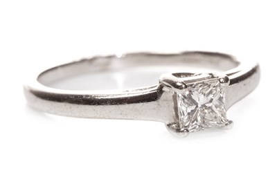Lot 108-A DIAMOND SOLITAIRE RING