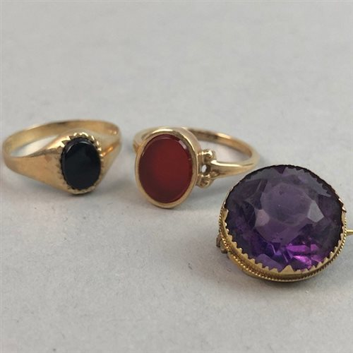 Lot 17-A NINE CARAT GOLD BROOCH AND TWO NINE CARAT GOLD STONE SET RINGS