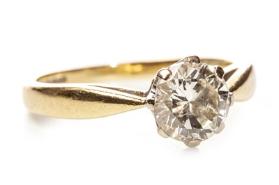 Lot 164-A DIAMOND SOLITAIRE RING