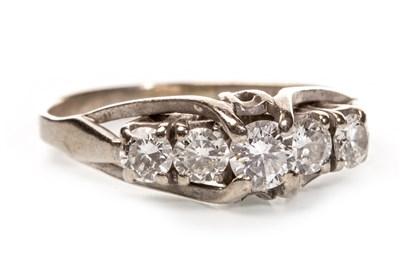 Lot 178 - A DIAMOND FIVE STONE RING