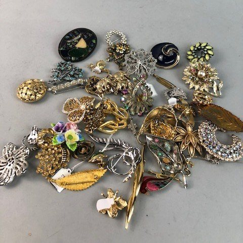 Lot 12-A LOT OF COSTUME JEWELLERY