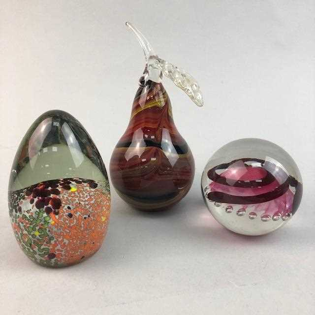 Lot 23-A COLLECTION OF PAPERWEIGHTS