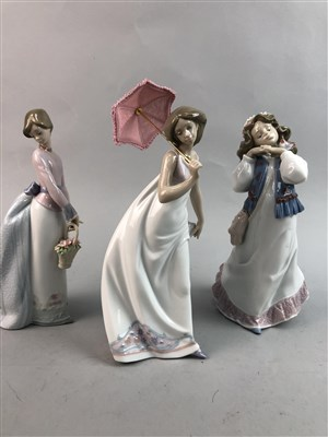 Lot 43-A LOT OF FOUR VARIOUS LLADRO FIGURES