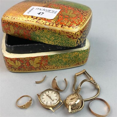 Lot 47-AN EIGHTEEN CARAT GOLD WEDDING BAND AND OTHER JEWELLERY