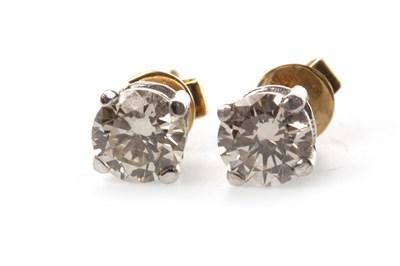 Lot 115 - A PAIR OF DIAMOND STUD EARRINGS
