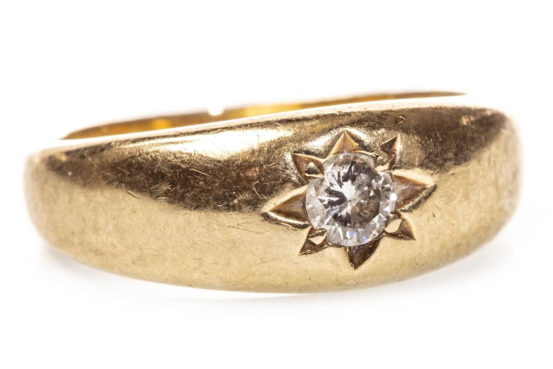 Lot 53 - A GENTLEMAN'S DIAMOND SET BAND, with a small star set diamond, hallmarks indistinct, size P, 5.5g