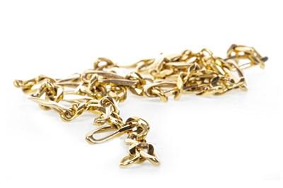 Lot 141 - A NINE CARAT GOLD CHAIN NECKLACE