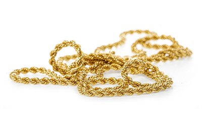 Lot 153 - A ROPETWIST NECKLACE