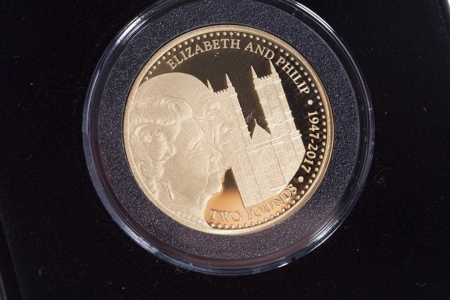 Lot 526 - A JUBILEE MINT GOLD £2 COIN