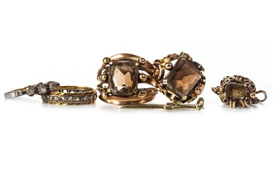 Lot 177 - A GROUP OF VARIOUS GOLD AND OTHER JEWELLERY