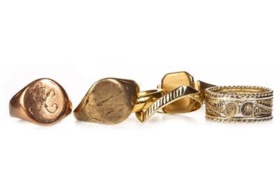 Lot 189 - SIX GOLD RINGS