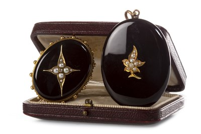 Lot 2 - A VICTORIAN MOURNING PENDANT AND A SIMILAR BROOCH