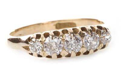 Lot 6-AN EARLY TWENTIETH CENTURY DIAMOND FIVE STONE RING