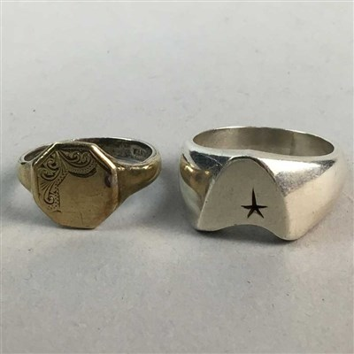 Lot 33-A SILVER STAR TREK RING, CUFFLINKS AND OTHER RINGS