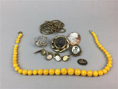 Lot 32-A COLLECTION OF JEWELLERY