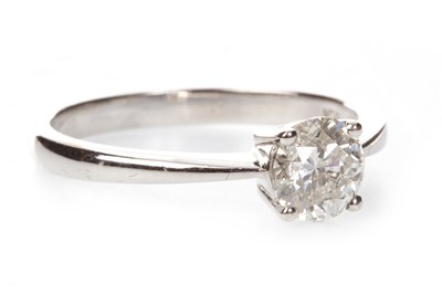 Lot 28-A DIAMOND SOLITAIRE RING