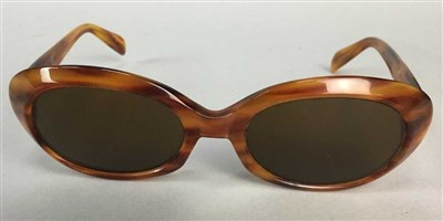 Lot 24-A PAIR OF VINTAGE TORTOISESHELL EFFECT CARL ZEISS SUNGLASSES
