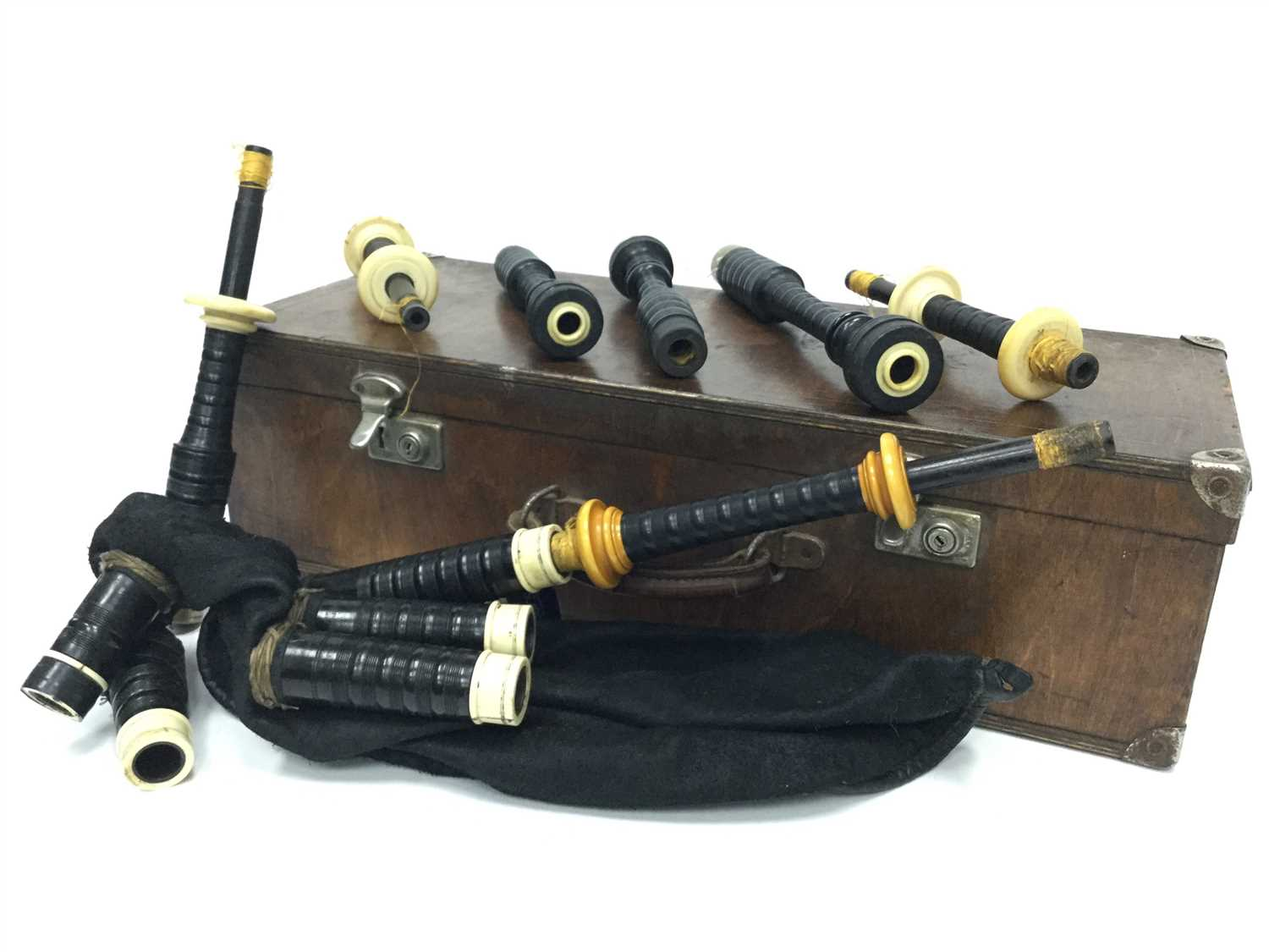 Lot 2-A SET OF HIGHLAND BAGPIPES