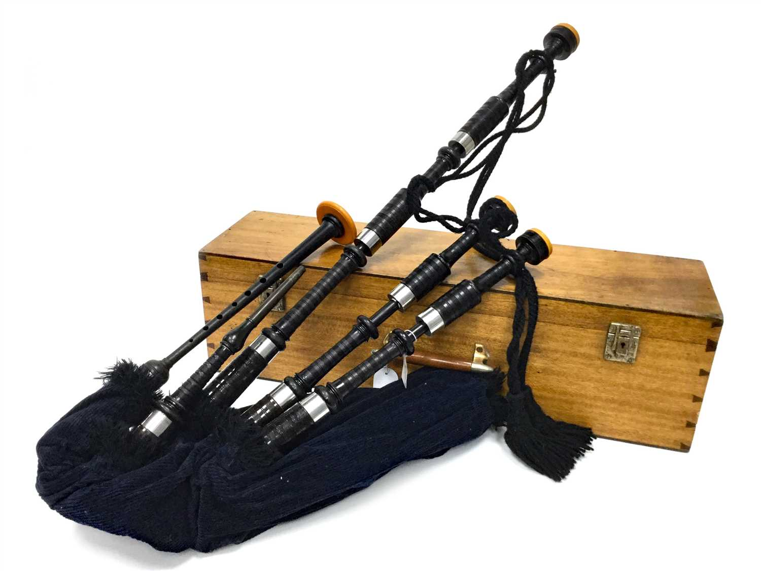 Lot 10-A SET OF HIGHLAND BAGPIPES POSSIBLY BY ROBERTSON OF EDINBURGH