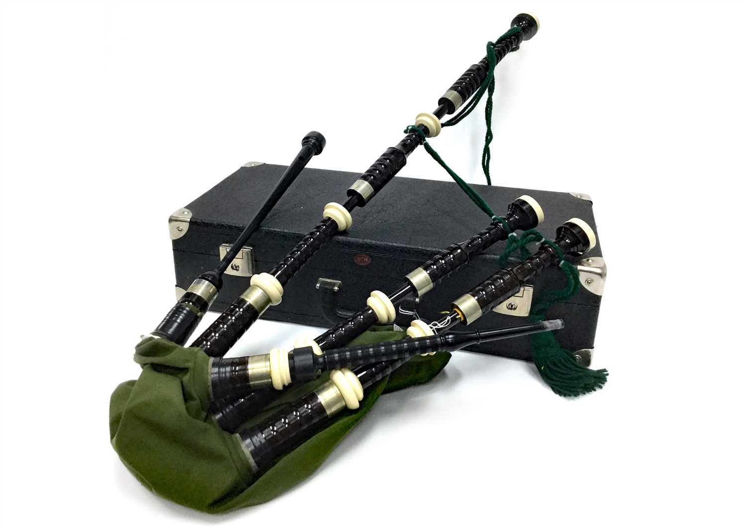 Lot 14-A SET OF HIGHLAND BAGPIPES POSSIBLY BY DAVID BOOTH
