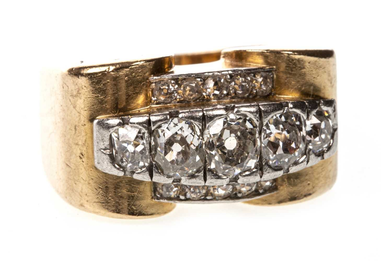 Lot 163 - AN OLD CUT DIAMOND DRESS RING