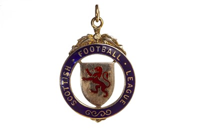 Lot 1939-BOBBY SHEARER 'CAPTAIN CUTLASS' OF RANGERS F.C. - HIS S.F.L. LEAGUE CUP WINNERS GOLD MEDAL 1961