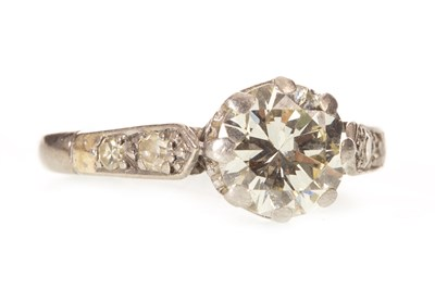 Lot 5-AN EARLY 20TH CENTURY DIAMOND SOLITAIRE RING