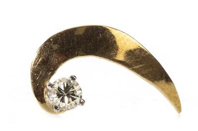 Lot 36-A DIAMOND SET PIN