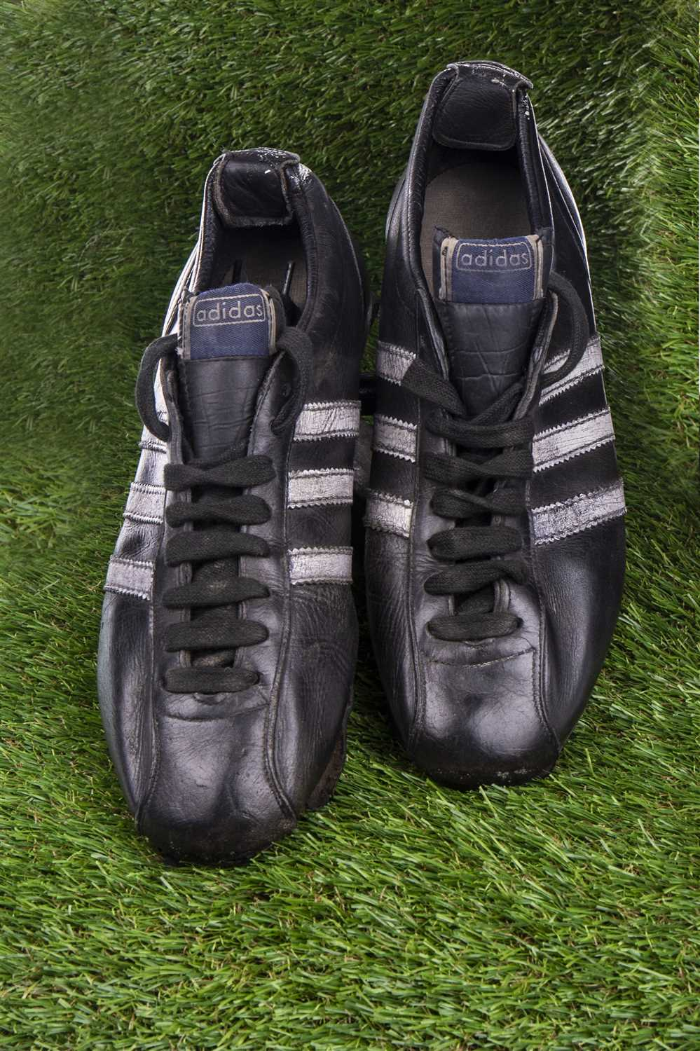 Lot 1976 - TOMMY GEMMELL OF CELTIC F.C. - HIS FOOTBALL BOOTS FROM THE EUROPEAN CUP FINAL LISBON 1967