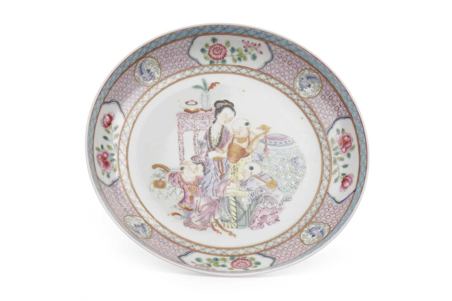 Lot 1164-AN EARLY 20TH CENTURY CHINESE FAMILLE ROSE PLATE