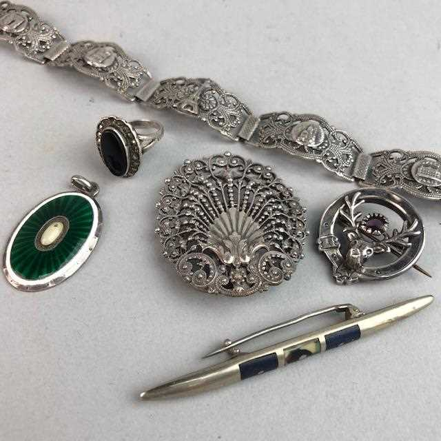 Lot 22-A GROUP OF SILVER AND COSTUME JEWELLERY