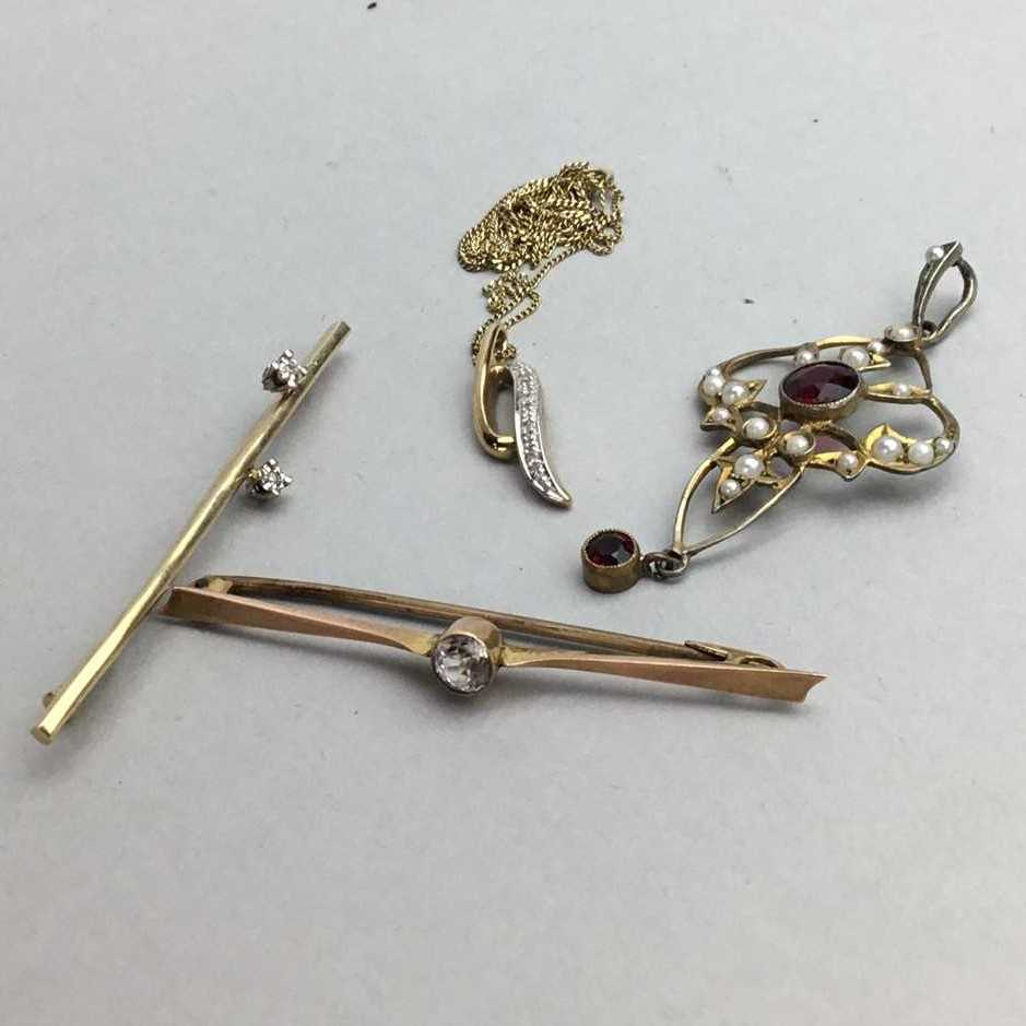 Lot 25-A NINE CARAT GOLD PENDANT AND A GROUP OF COSTUME JEWELLERY