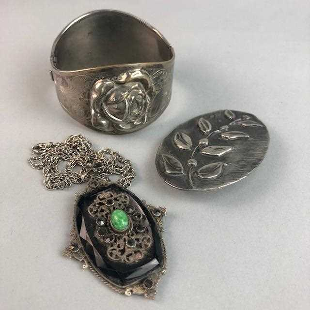 Lot 8-A LOT OF COSTUME JEWELLERY