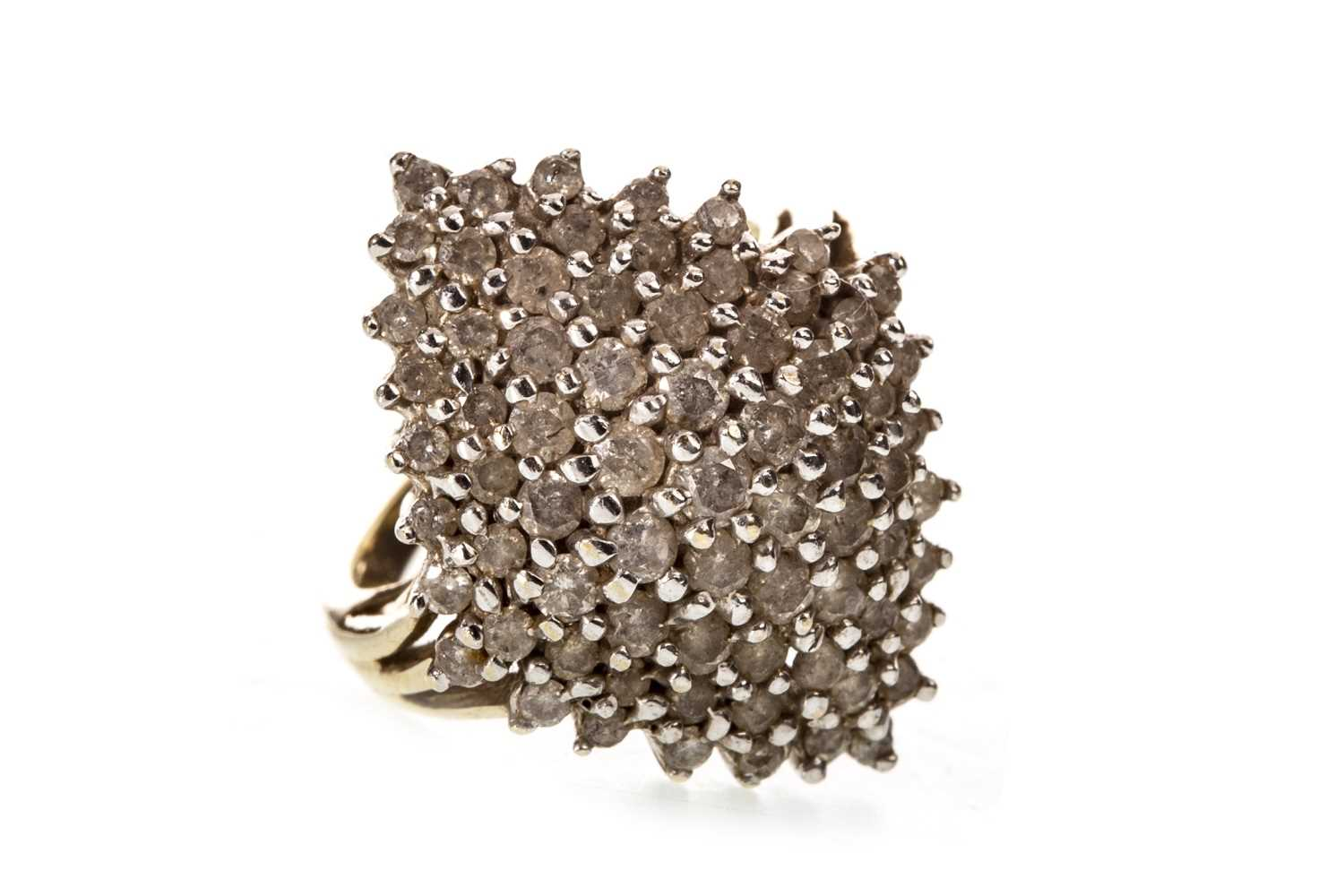 Lot 17-A DIAMOND CLUSTER RING