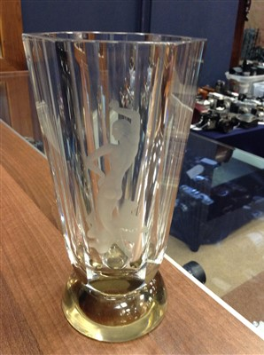 Lot 1216-AN ORREFORS GLASS VASE BY VICKE LINDSTRAND